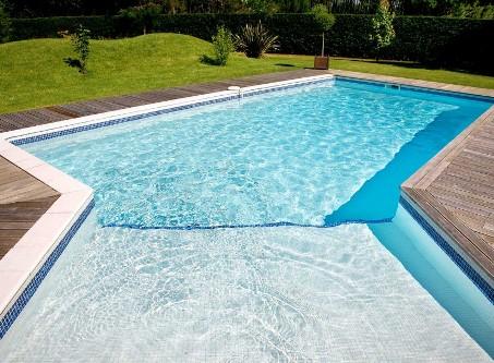 белый бассейн