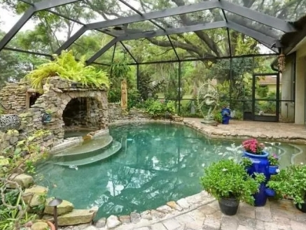 бассейн в оранжерее